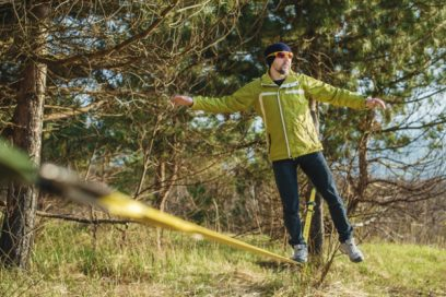 What is slacklining?